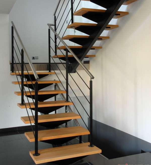 Mẫu cầu thang sắt bậc gỗ đơn giản