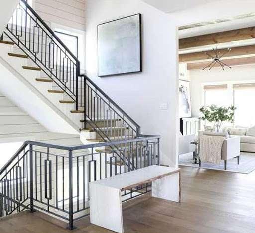 Mẫu cầu thang sắt đơn giản nhưng rất đẹp và tinh tế