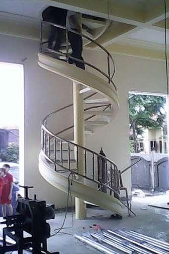 Mẫu cầu thang sắt xoắn ốc tuyệt đẹp
