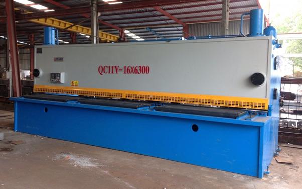Máy cắt tôn thủy lực