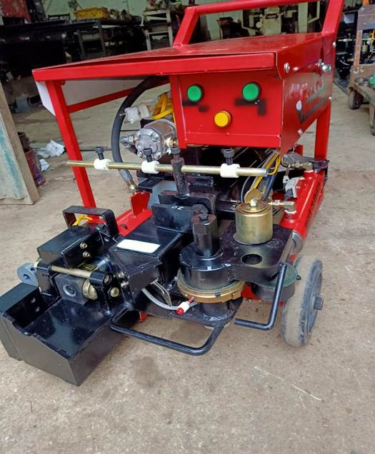 Máy uốn sắt- cắt sắt xây dựng được Phúc Thắng phân phối